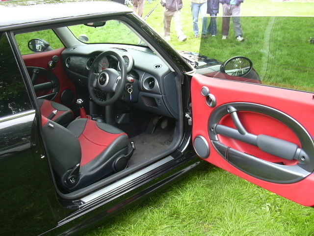 Click image for larger version  Name:interior large.jpg Views:753 Size:165.8 KB ID:63454